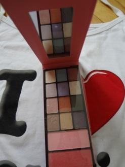 SAX eyeshadow palette
