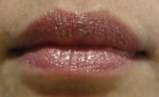essence glitter lipstick