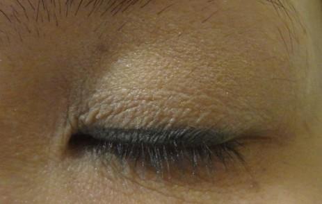 eyeshadow look closed up