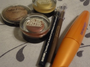 eye makeup items