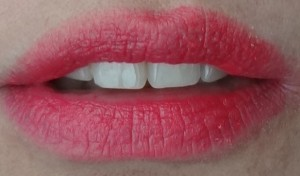 lip swatch kissable