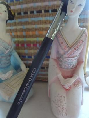 crown concealr brush