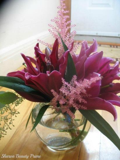 oriental lilies arrangement