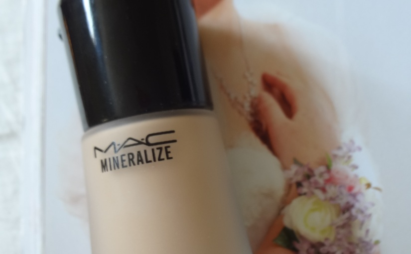MAC Mineralize Moisture Foundation SPF 15 |First Impression