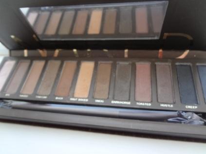 UD naked palette