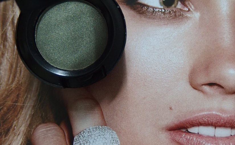 Mac Eyeshadow in Lucky Green|Review