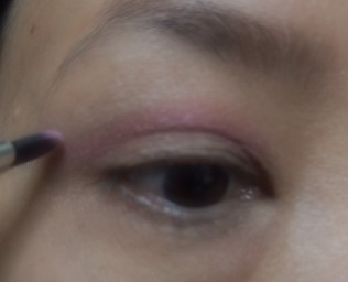 Pink shadow on the crease