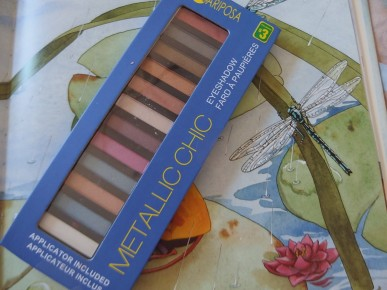 mariposa metallic eyeshadow