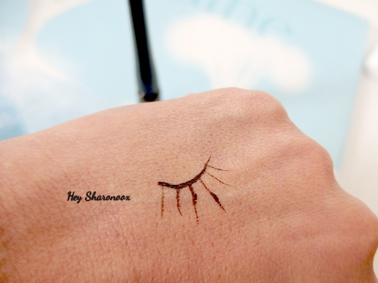 elf-eyeliner-swatch