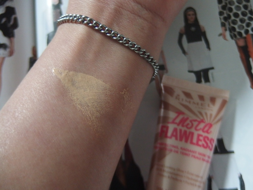 Rimmel Insta Flawless swatch