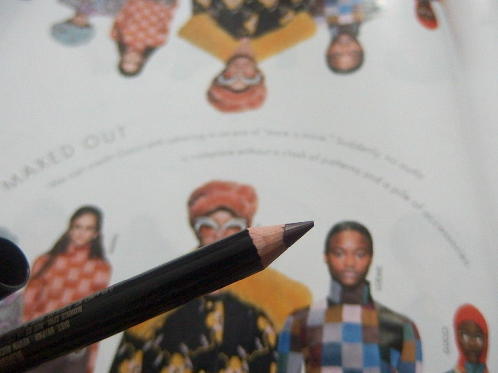 Tone lip pencil