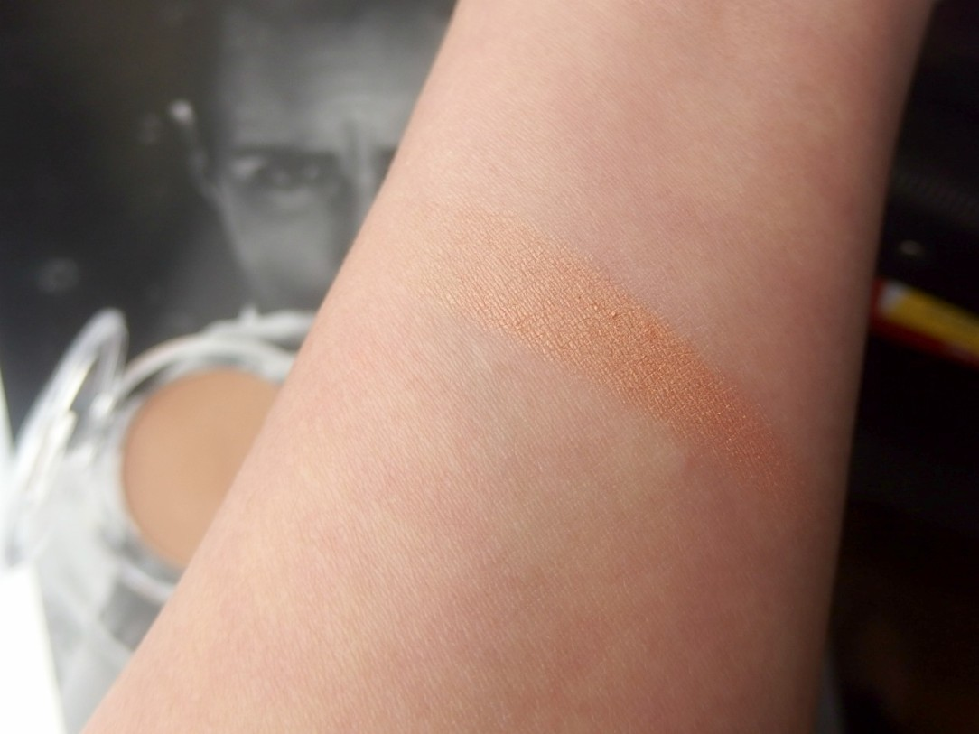 Bronzer swatch by e.l.f.