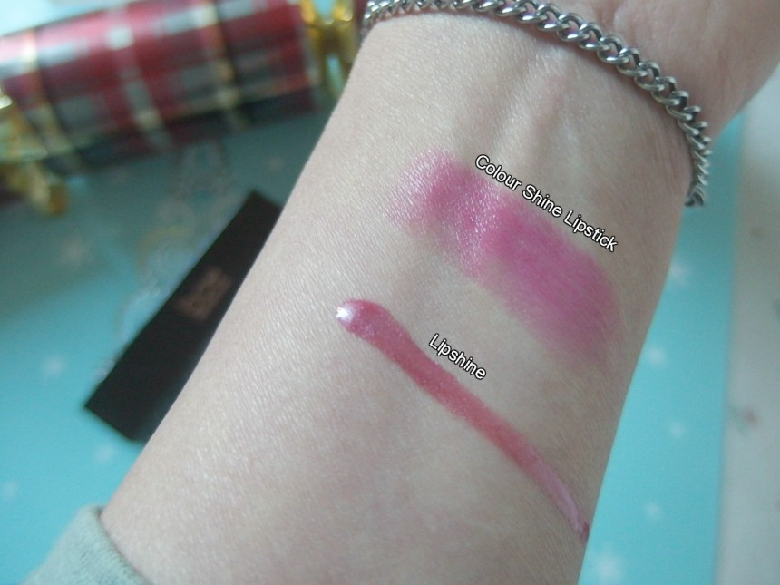 Lips color swatches
