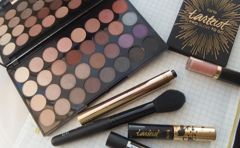 Favorite Holiday Makeup Products!|#BlogmasBagMonday #2