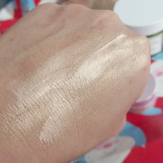 Instant Glow highlighter by Fresh