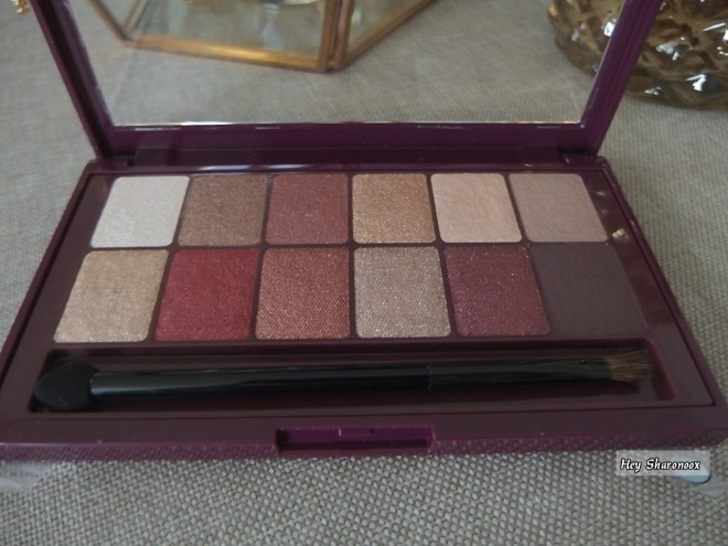 Closed up Burgundy Bar Palette