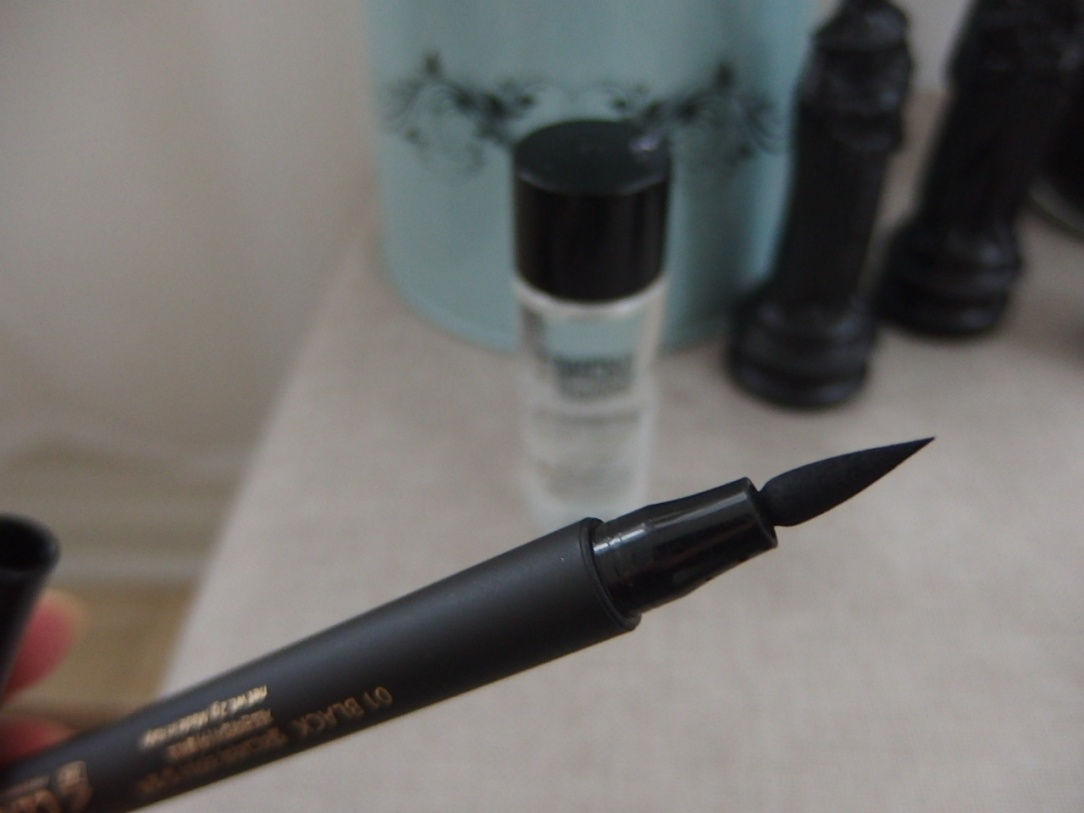 @Clio Calligraphy Liner