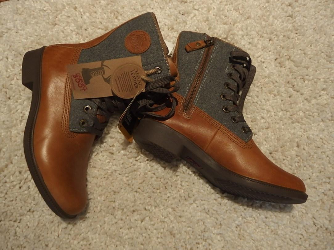 @Kodiak Canada Boots