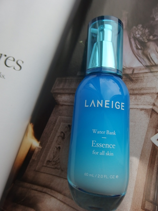 #Laneige Water bank essence